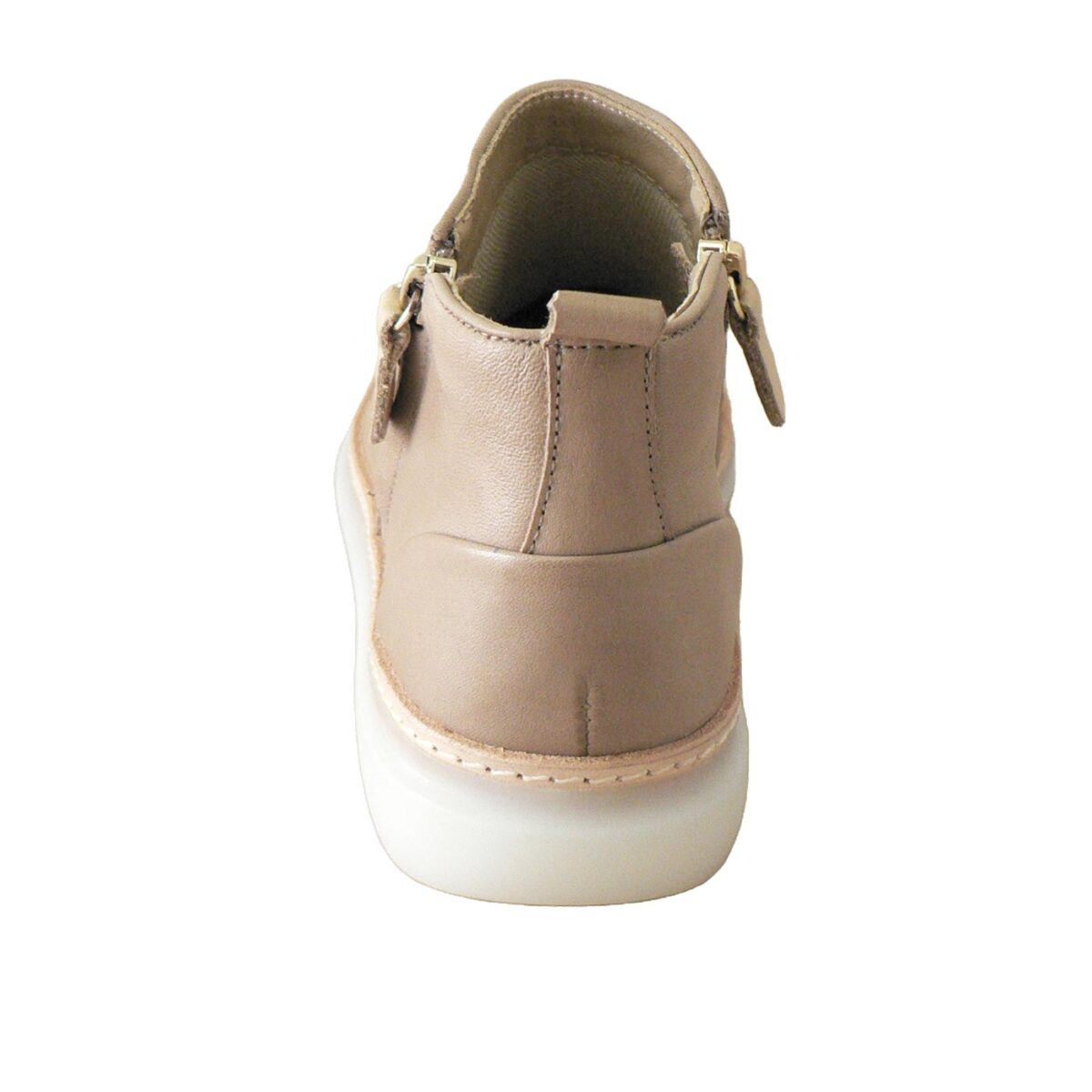 EOS Iconic Taupe